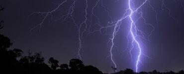severe-storm-lightning