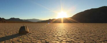 hot sun blazes over Death Valley