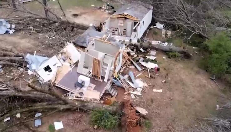woman survives tornado