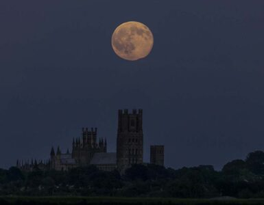 Strawberry Moon over Ely Cathedral, 20th June 2016